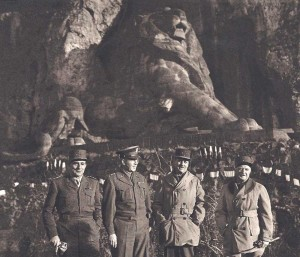 Belfort : de gauche à droite, de Lattre, Devers, Béthouart et Montsabert .
